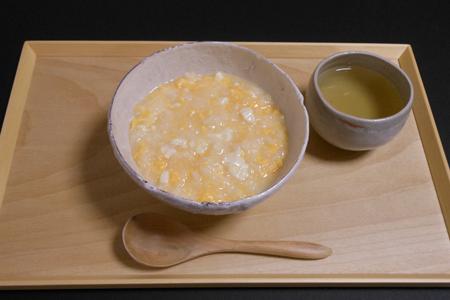 豆腐入り卵がゆ