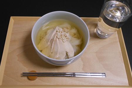 鶏胸肉とささみそぼろのフォー(米麺)