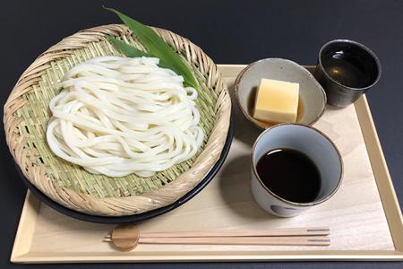 ざるうどん+めんつゆ、卵豆腐