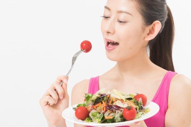 ダイエットしている女性
