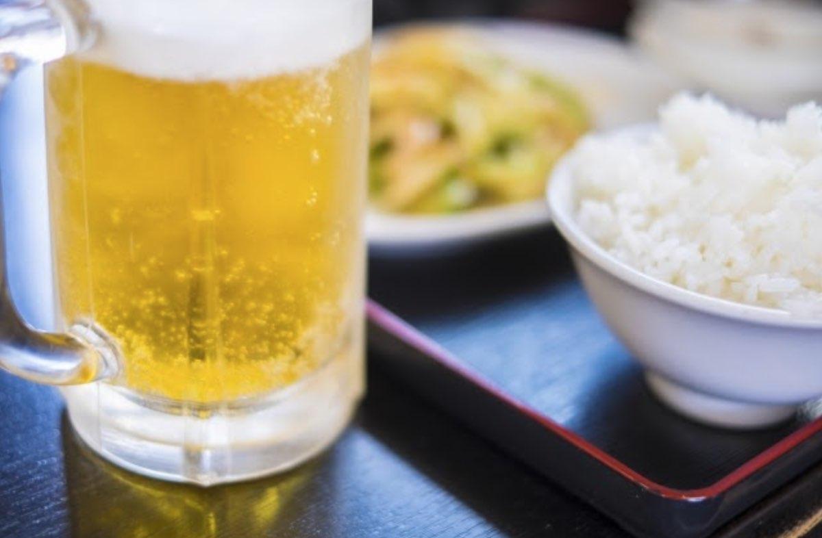 アルコールと食事